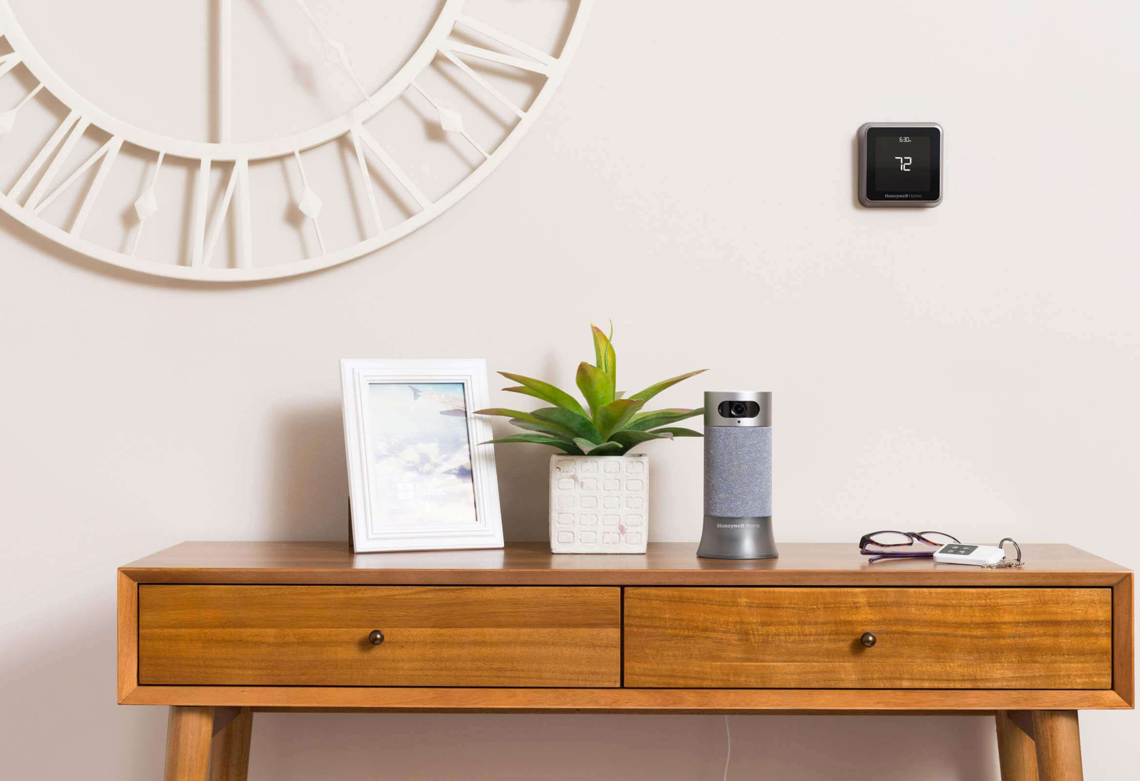 Download the app to connect your Honeywell Home connected devices from a single Honeywell Home account.