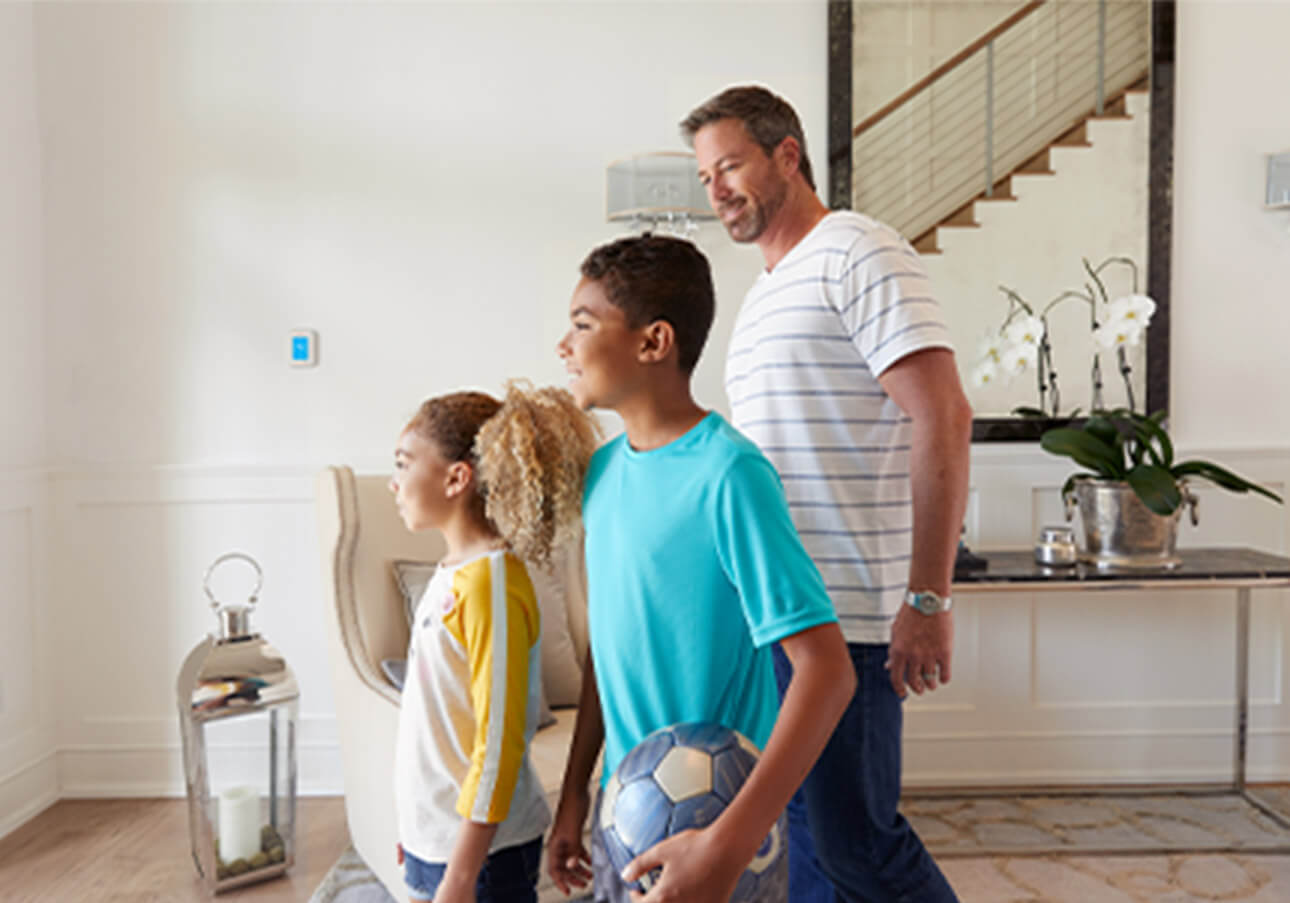Thermostat adjusts to make family comfortable day or night